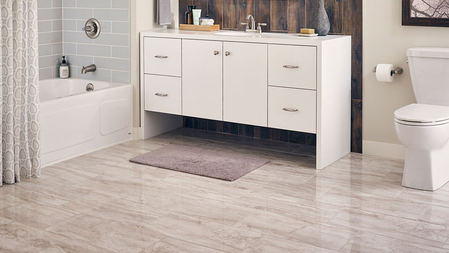 bathroom-at-ajemco-glendale-home