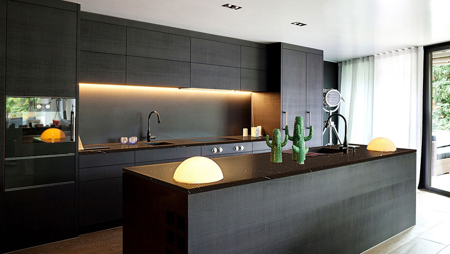 modern-kitchen-at-ajemco-glendale